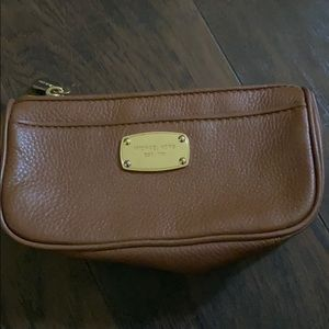 Micheal kors AUTHENTIC make bag